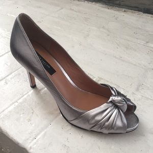 Ann Taylor Leather Silver Heel Size 7.5 NWOT